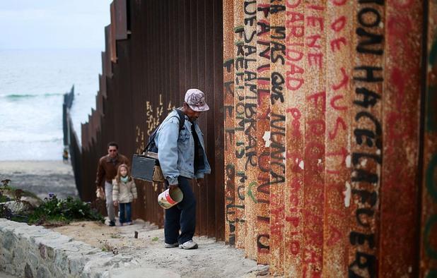 стена мексико сащ