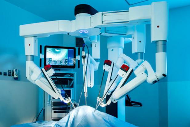 хирургически робот