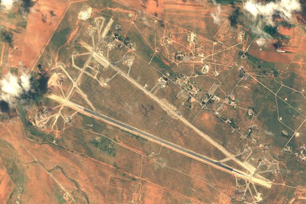 сирийската авиобаза шайрат, обстрелвана от американската армия на 7 април