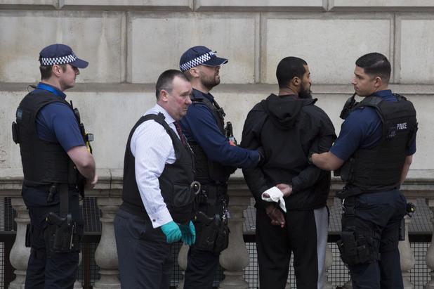 Лондон полиция арест