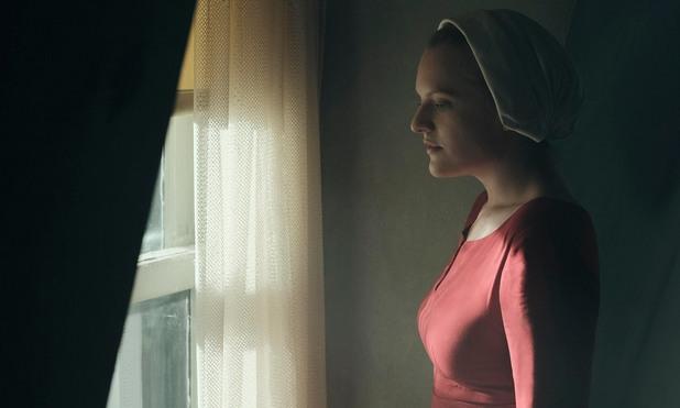 Елизабет Мос