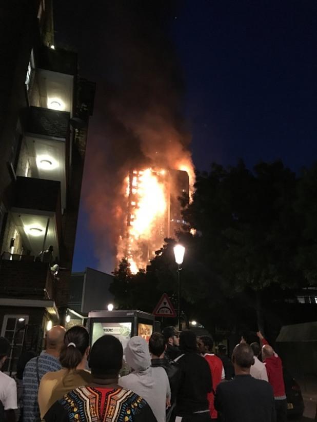 горяща сграда,лондон
