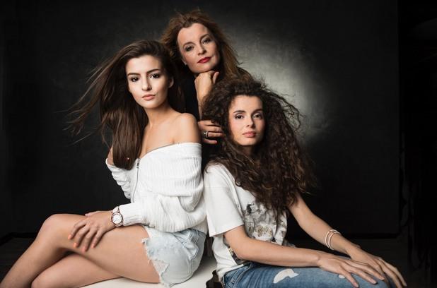Мария Касимова и дъщерите й