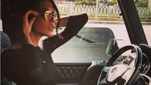 жена, жена в кола, жена със слънчеви очила, скъпа кола