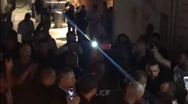 """Топло"" посрещане на Валери Симеонов в дискотека в Слънчев бряг"