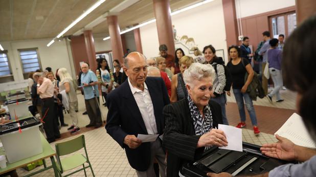 Гласоподаватели на референдума в Каталуния