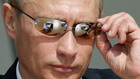 Владимир Путин с тъмни очила