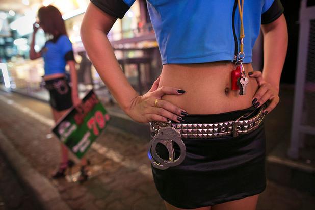проститутки, футбол, власти, полиция