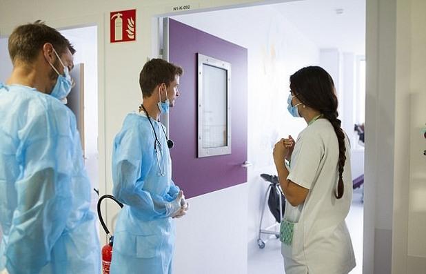 Млади лекари