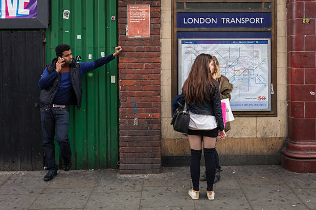 лондон, момичета, момичета на улицата, лондон транспорт