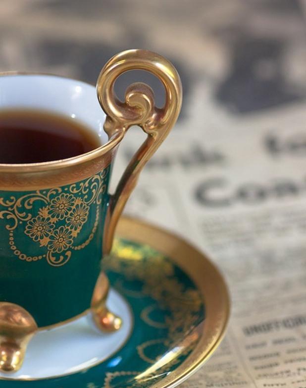 Ахмад английска традиция за пиене на чай