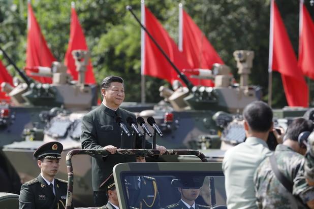 Си Дзинпин пред китайските войници