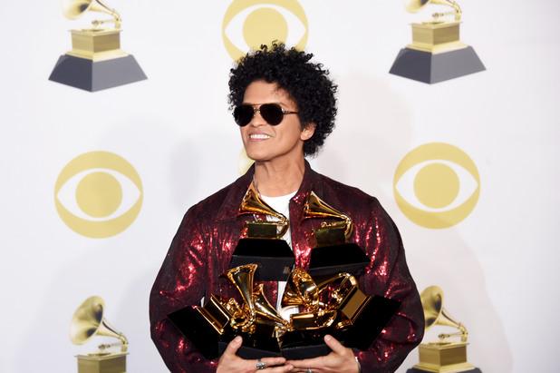 """Бруно Марс с 6 награди """"Грами"""""""