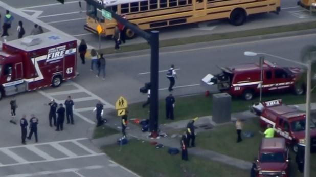 Стрелба в училище във Флорида