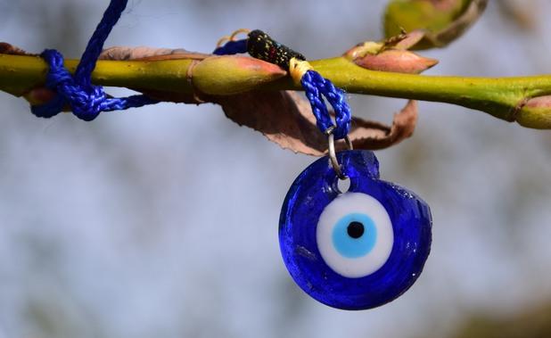 синьо око, око против уроки, уроки
