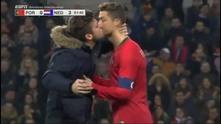 Фен целува Роналдо