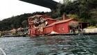 Танкер се вряза в къща на Босфора
