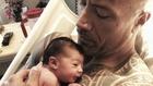 Скалата и новородената му дъщеричка