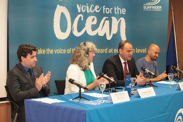 """Петър Стойчев и кампанията """"Глас за океана"""""""