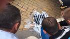 животновъди изливат мляко в канавка пред Министерски съвет