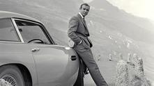 Джеймс Бонд и неговият Aston Martin