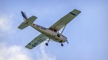 малък самолет