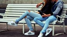 тийнейджъри, момче и момиче, двойка тийнейджъри