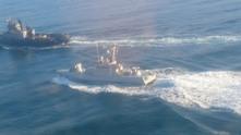 Руски военни откриха огън по украински кораби край Керченския пролив