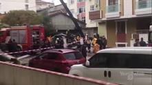Хеликоптер се разби в жилищен квартал в Истанбул