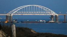 мостът на керченския проток