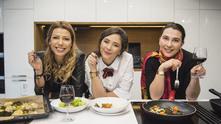 Ана Динкова и приятелки