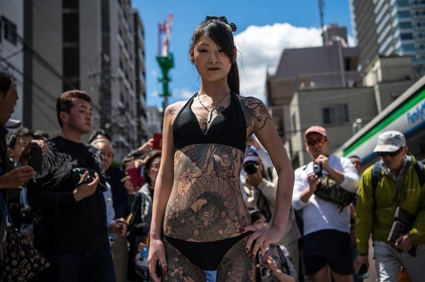 Жена с татуировки