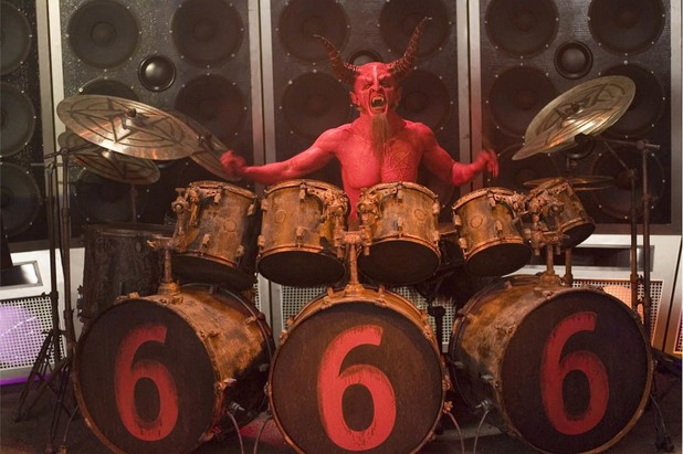 Дейв Грол като Сатаната