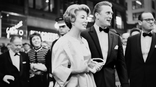 """Кърк Дъглас на премиерата на """"Спартак"""", Чикаго, 1960"""