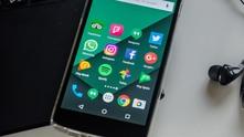 Смартфон със социални мрежи