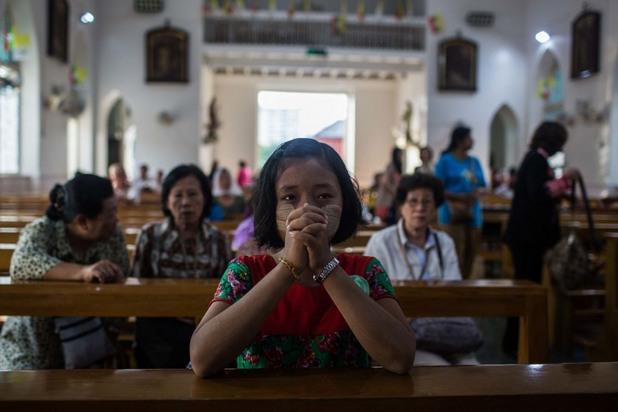 Християни в Азия