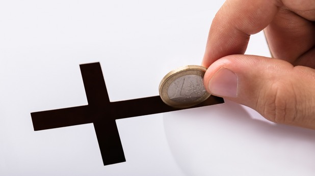 Пари и църква