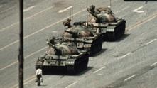 Мъжът пред танковете - площад Тянанмън 1989 г.