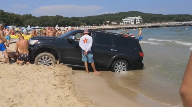 Джип на плажа