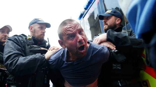 Крайнодесен протестиращ