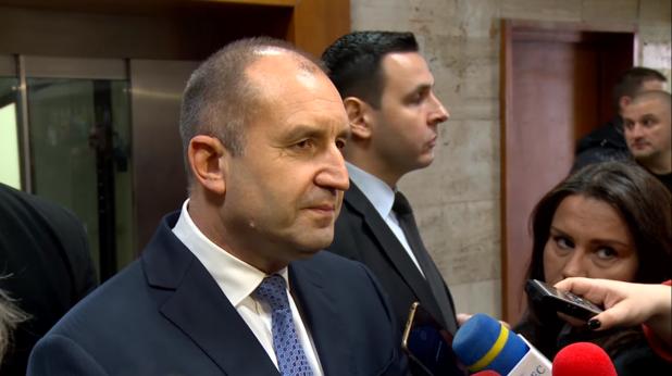 Румен Радев пред журналисти